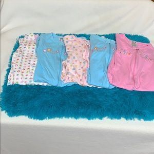 Baby pajamas size 6 - 9 months